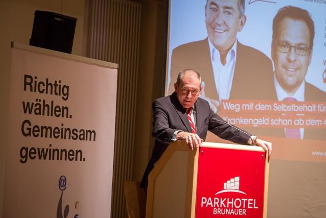 Bgm. Dr. Heinz Schaden Podium
